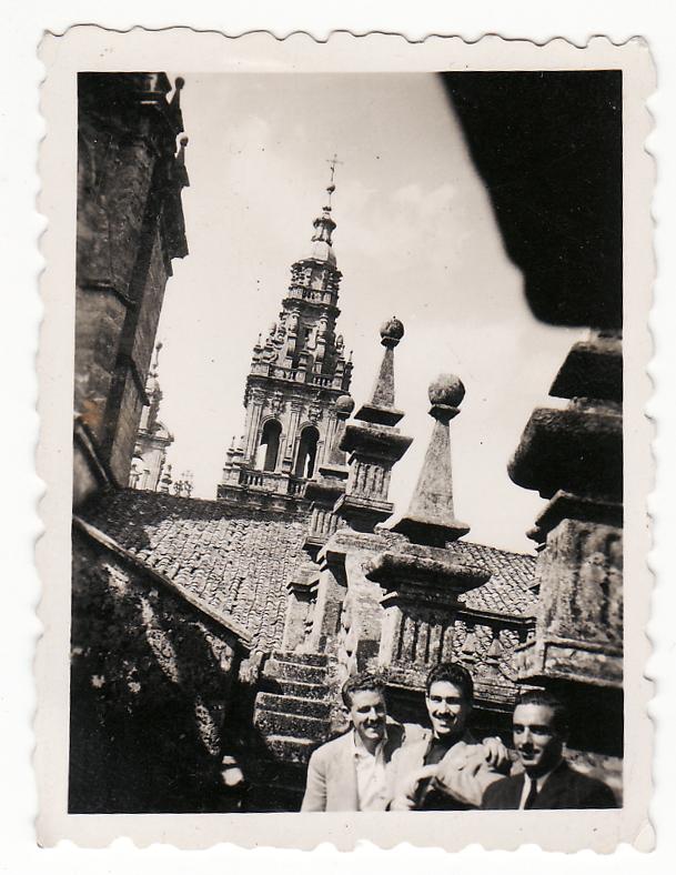 Los hermanos Regueiro en Santiago 1950